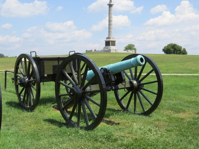 Civil War Cannon with Limber Box