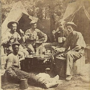 Union Soldiers Eating